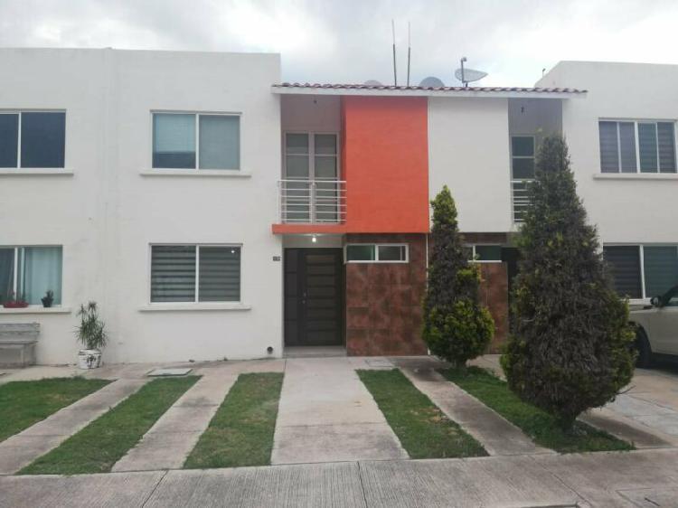 Renta de casa en privada en la vigatta enfrente de área