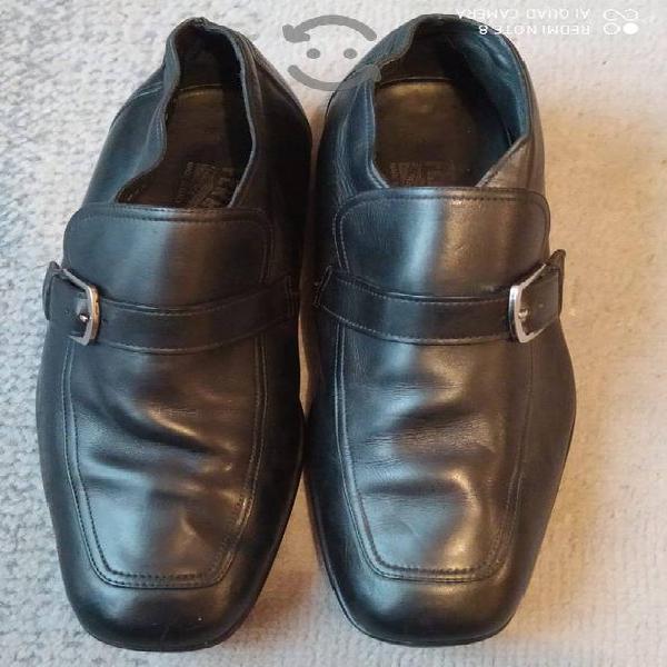 Zapatos ferragamo, número 27, originales.