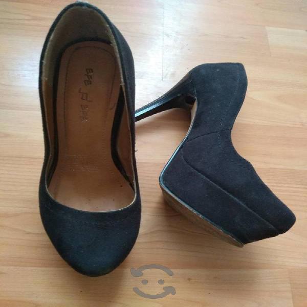 Zapatos talla 23 negros de tacón y plataforma