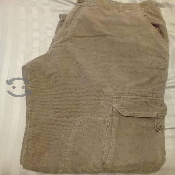 Pantalon verde cargo semi nuevo talla 34
