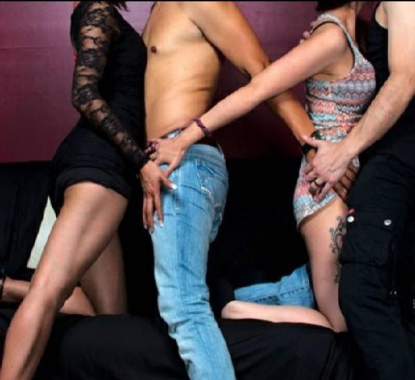 Quieres tener sexo con desconocidos? Chat swinger aquí!