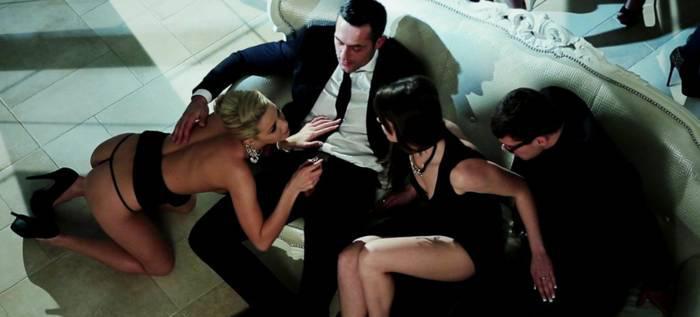 Te gustaron participar en un trío sexual?