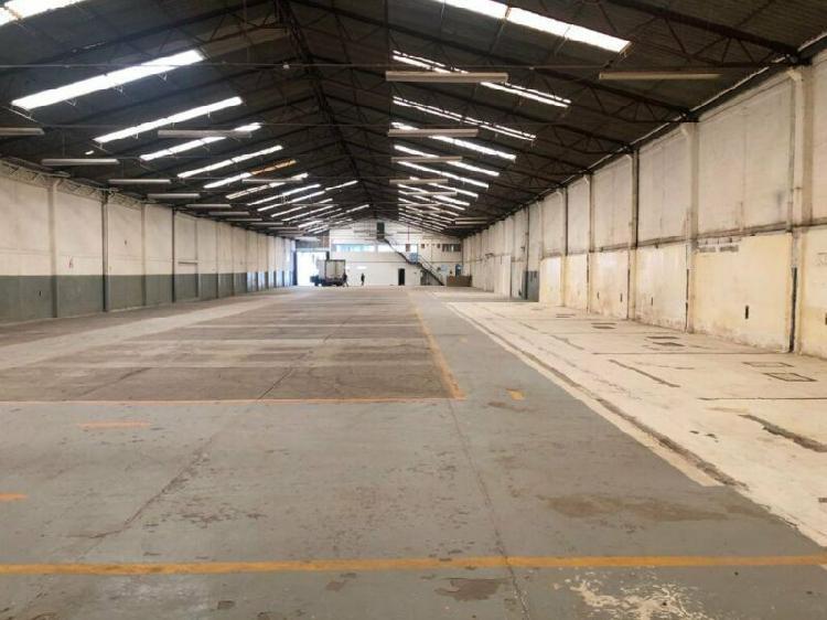 Arenal nave industrial 2700 m2 con oficinas a un paso