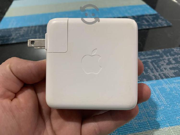 Cargador apple usb-c de 61 w para macbook original