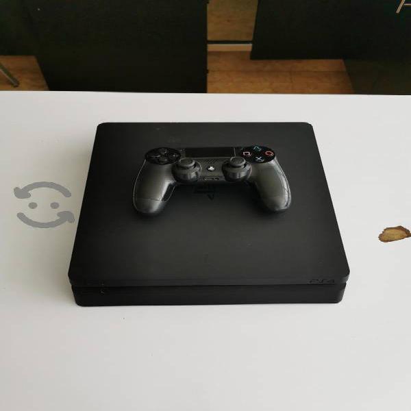 Playstation 4 (para piezas o checar)