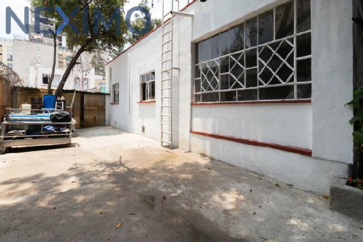 Rento casa con uso de suelo completo excelente ubicación