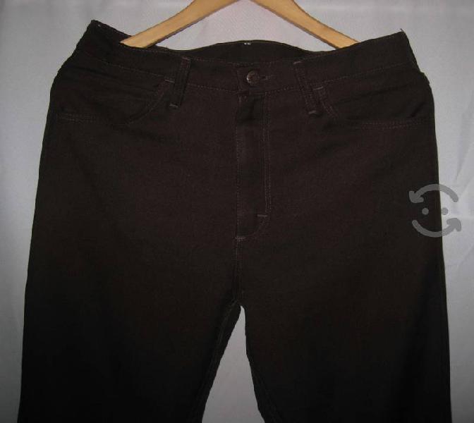 Pantalon wrangler talla 32 x 34 caballero color ch