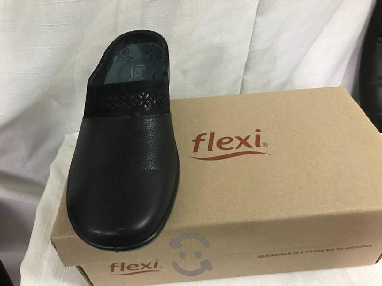 Zapatos flexi tipo zuecos