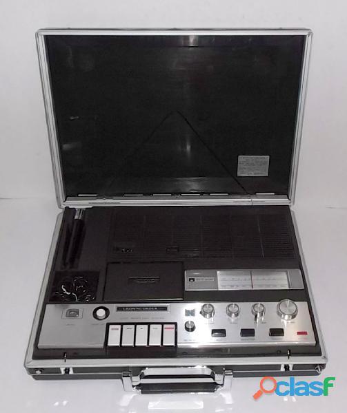Antigua radiograbadora solid state funcionando de japón 1968