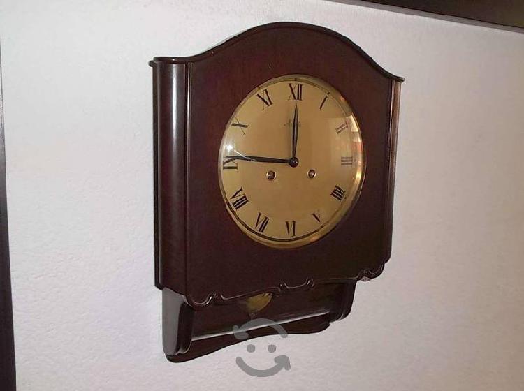 Antiguo reloj de pared mauthe alemán de los 50s