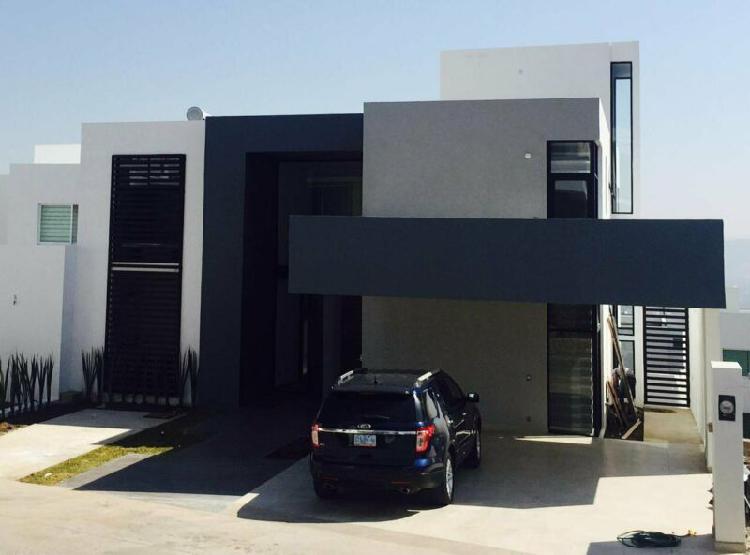 Casa en venta en gran jardin, recámara en planta baja;