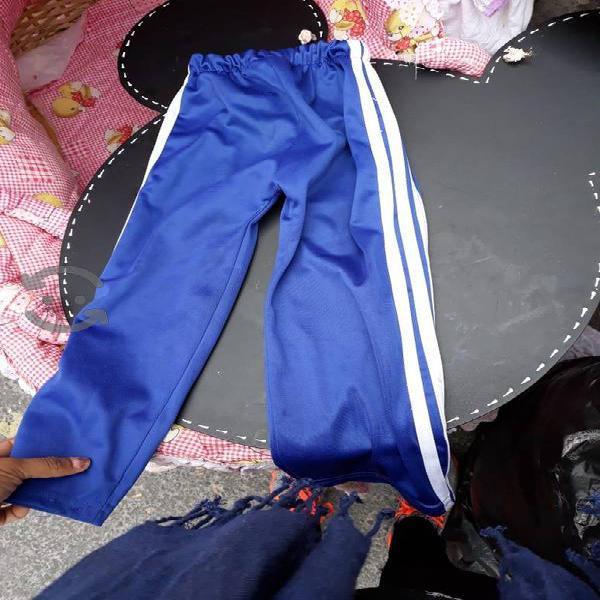 Lote de 100piezas de ropa