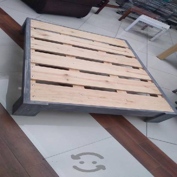 Base de cama gris altamente reforzada