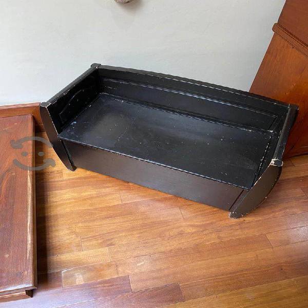 Buro negro de madera