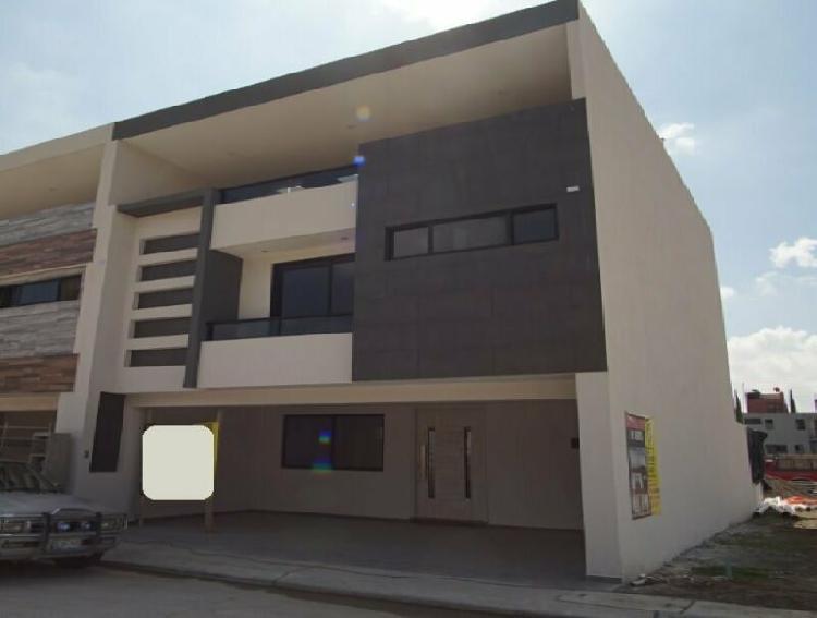 Casa nueva en venta por la recta a cholula fraccionamiento