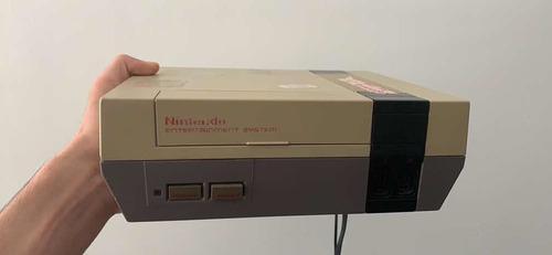 Nintendo nes con 3 juegos y 2 controles