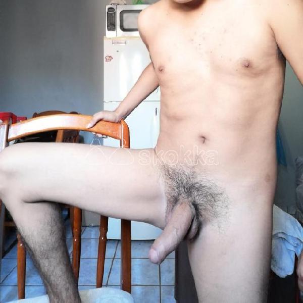 Joven varonil discreto 28 años Delgado para ti