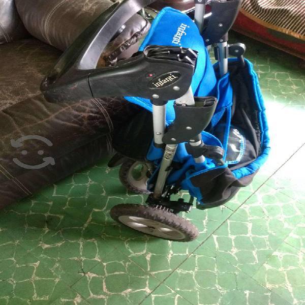 Carriola plegable de tres ruedas marca infanti