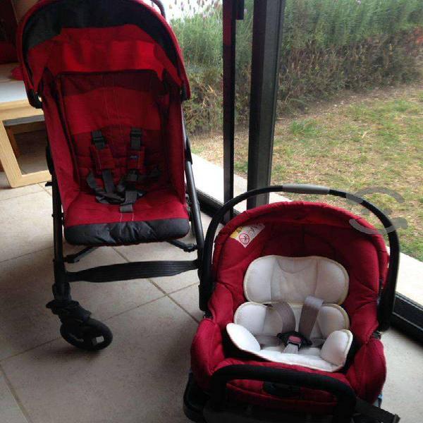 Carriola y porta bebe chicco