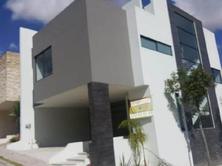 Venta casa moderna y amplia casa en parque cuernavaca lomas