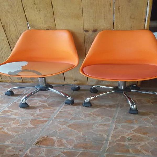 Tengo estas dos sillas para oficina
