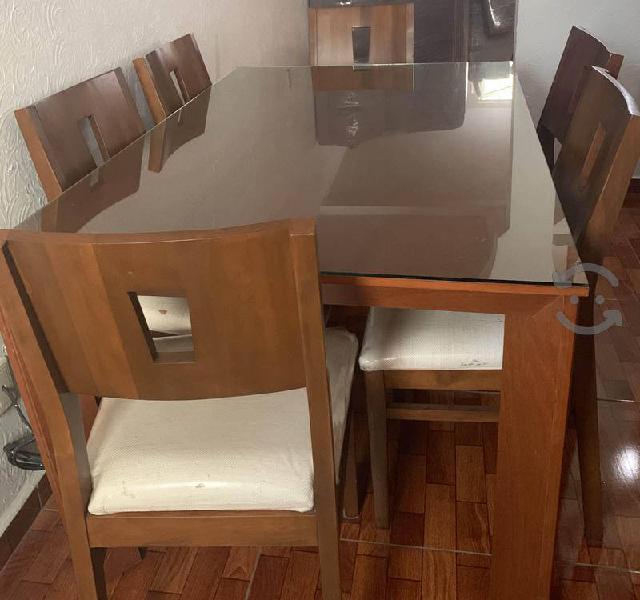Comedor de 6 sillas y bufetero