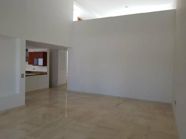 Rento casa en col ex hacienda morillotla recamara en planta