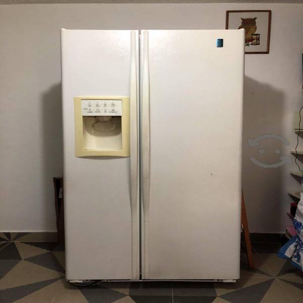 Refrigerador general electric profile blanco usado
