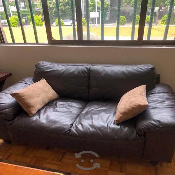 Sala de piel (sofá y love seat) chocolate