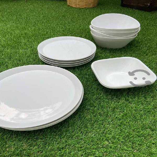 Vajilla platos y tazones