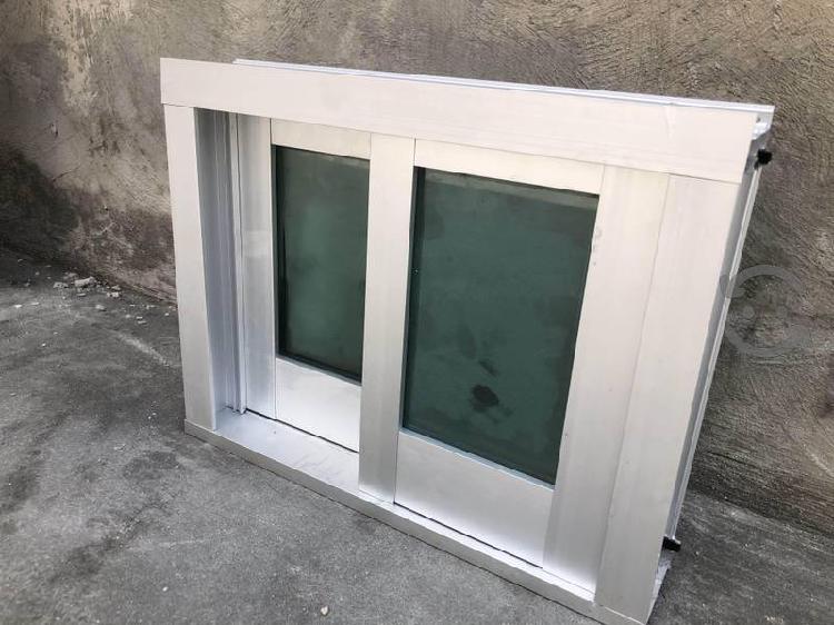 Ventana de aluminio para baño