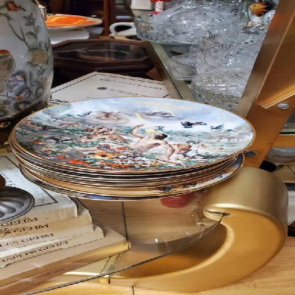 Colección de 12 platos de la creación