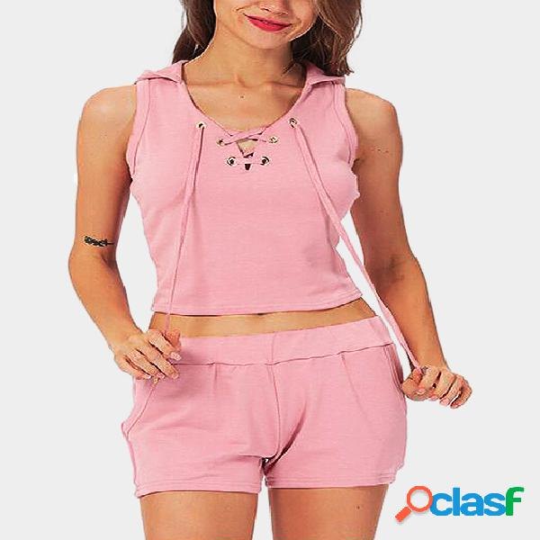 Diseño con cordones rosa con capucha y pantalones cortos con cintura elástica conjunto deportivo
