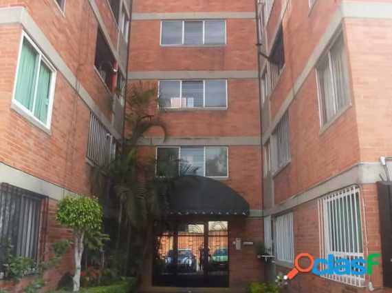 Av. San Isidro Departamento en renta