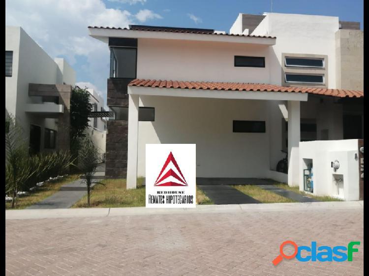 01443 se vende casa en residencial las plazas.