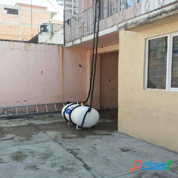 Tanque estacionario de 300lts con instalación de uso domestico 1