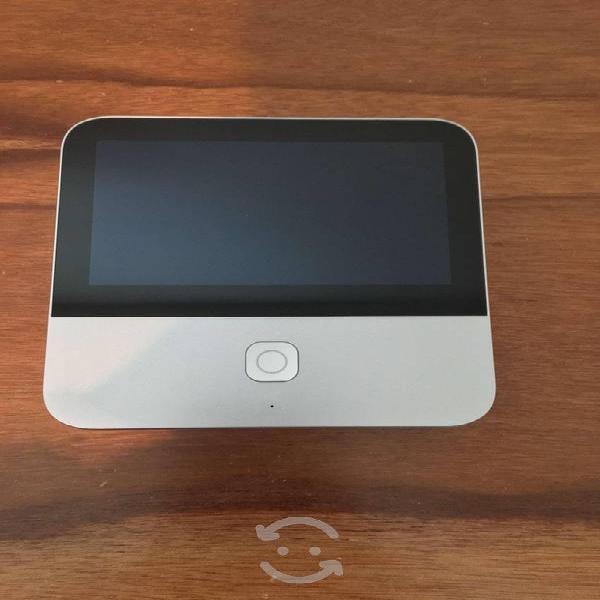 Proyector portatil zte con pantalla táctil lcd 5''