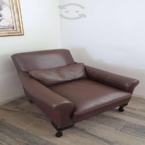 Se vende sillon de piel color chocolate marca boal