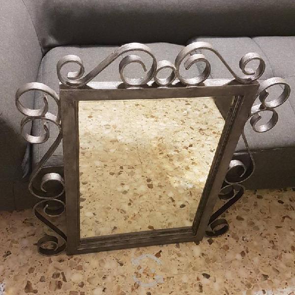 Decora tu hogar con espejo de fierro forjado