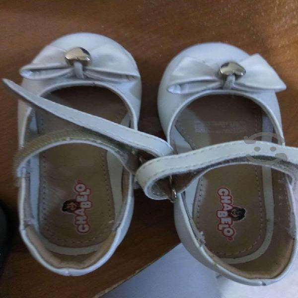 Zapatos bebe nina, chabelo, talla 13.5 casi nuevos