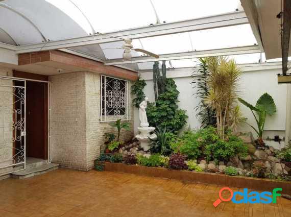 Casa en calle semicerrada en jardines de churubusco