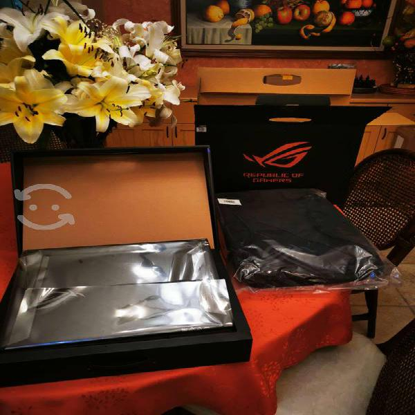 Laptop asus gamer i7 9750, 16 ram. 4 video nvidia