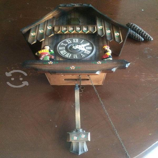 Reloj cucú suizo antiguo