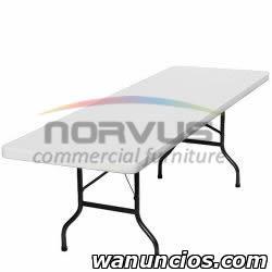 Sillas y mesas para actividades en el hogar