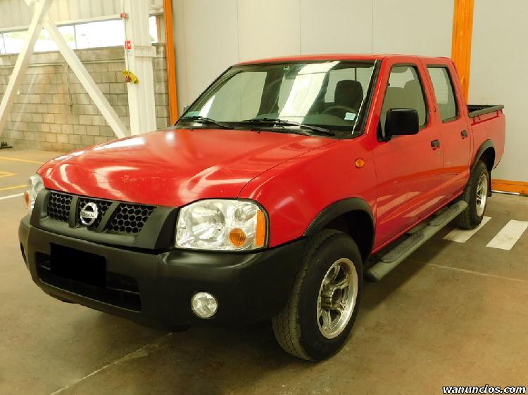 Nissan np300 año 2012 cabina doble