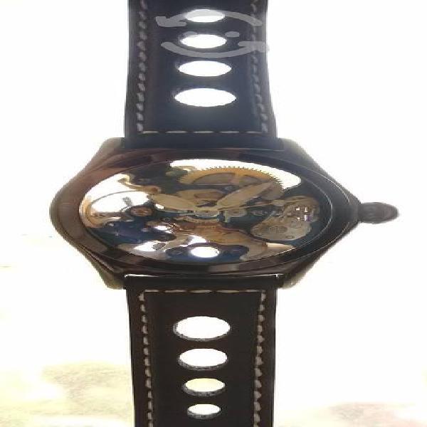 Reloj corum bubble skeleton automático