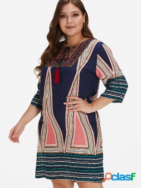 Vestido extra grande con borlas bordadas geométricas