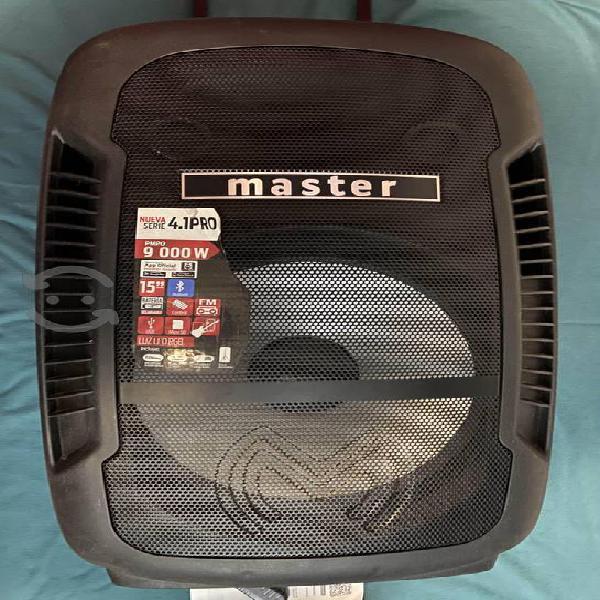 Bocina master 9000 watts bateria recargable