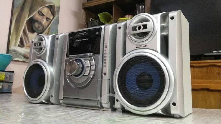 Estéreo panasonic con cd mp3 y auxiliar