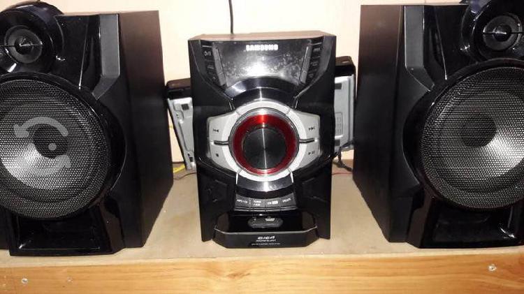 Mini componente samsung 2.0ch 220w, giga sound